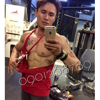 số 422 huấn luyện viên gym body đĩnh cao